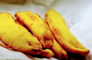 pazham pori or ripe plantain fry